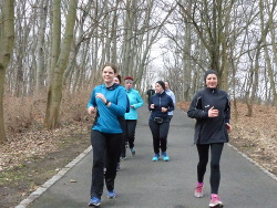 Laufgruppe kurz vor Frühlingsbeginn
