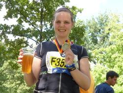 Jacqueline im Marathon-Ziel